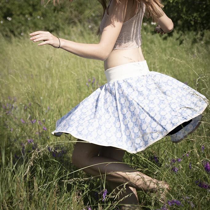 Okolo ženy, kolové sukně